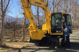 HPE Africa's Hyundai R80-7 midi excavator is used to remove old stumps in vineyards in Cape Winelands district