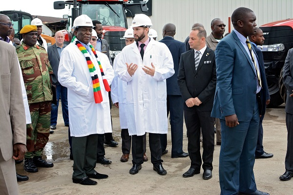President of Zimbabwe visits Case IH distributor Agricon