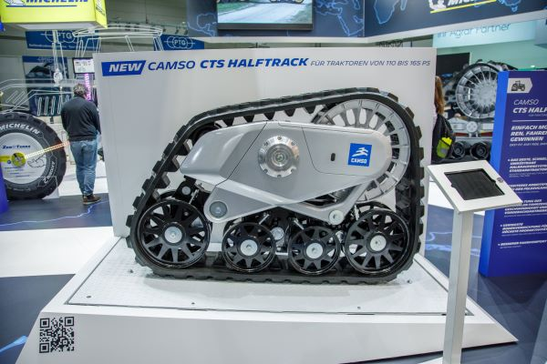 Making its world premiere at Agritechnica was the New Camso Halftrack conversion track system for 110-165 HP tractors
