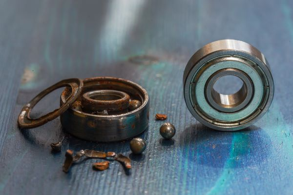How to avoid bearing failures with proper lubrication
